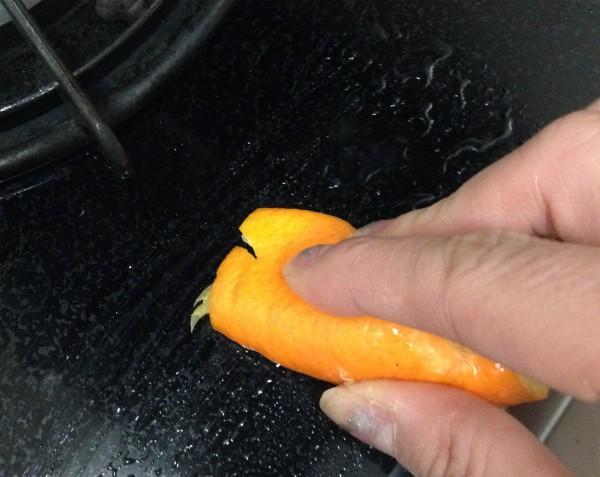 オレンジの皮でお掃除